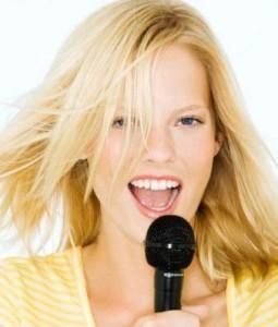 donna microfono